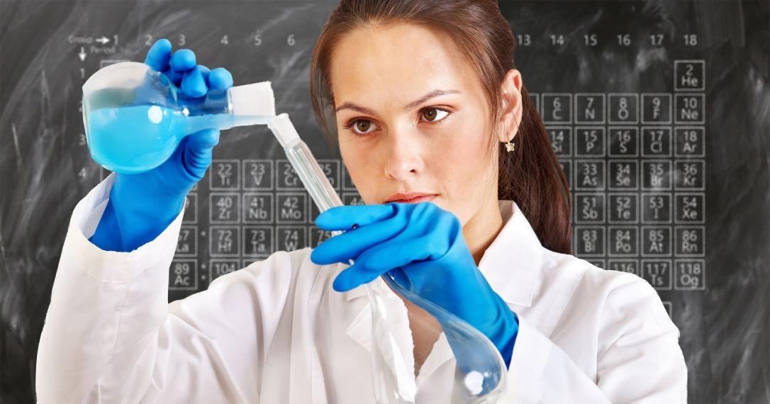 chemist-3014142_1920